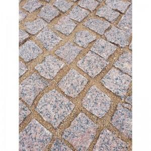 Trinkelės granito raudonos ~10x10x5 cm, 1000 kg