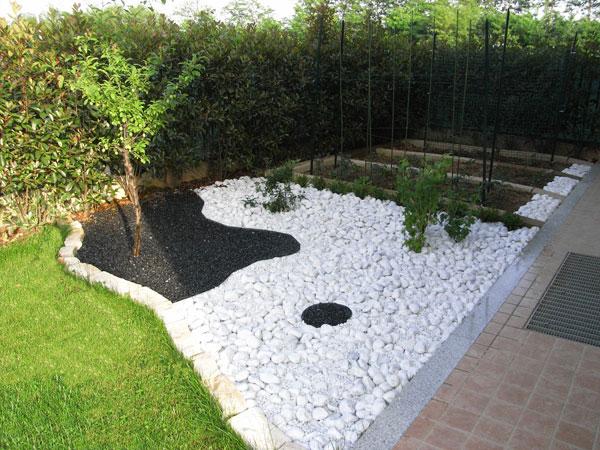 Balti gludinti akmenukai 15 25 20 40 mm 20 kg - Giardini decorati ...